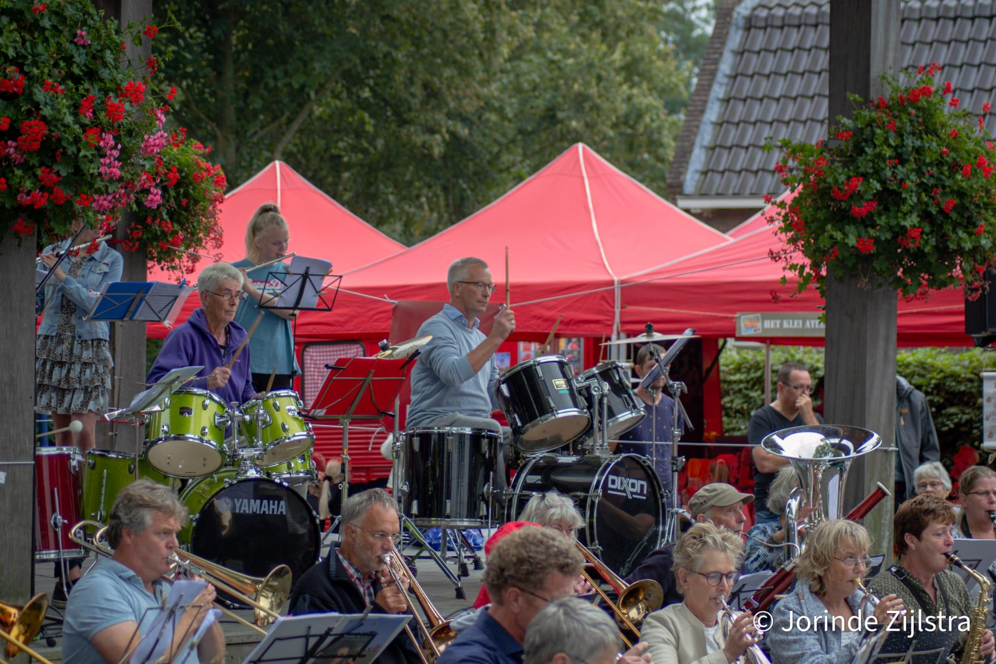 Wijkorkest Camminghaburen, Heechterp en Schieringen - Over de Drempel